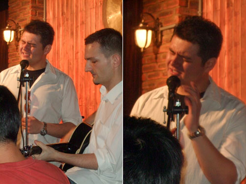 Foreigners sing Chinese (May 15, 2009)